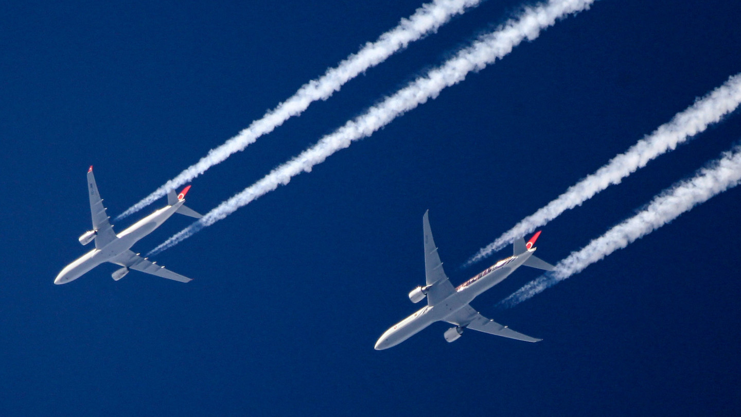 1 in 7 People Would Choose Not to Fly Because of Climate Change